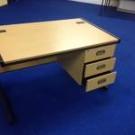 pic3 straight desk